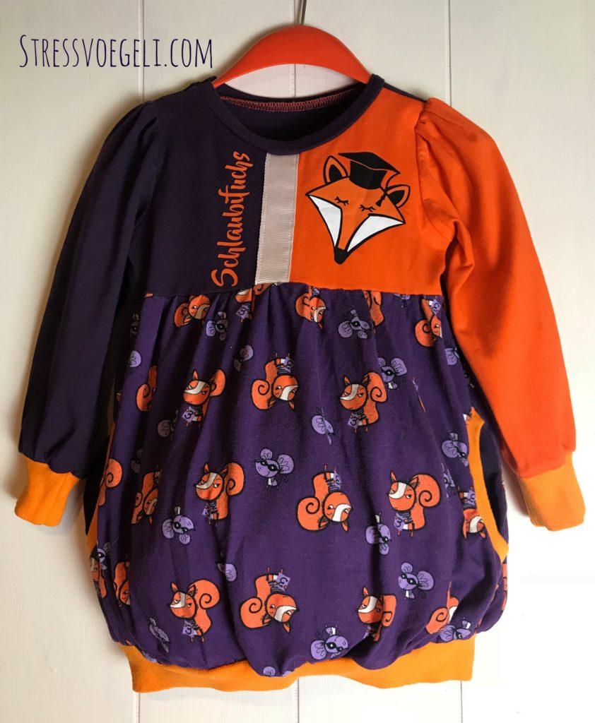 Mit der Plotterdatei Schlaubifuchs Schlaufuchs von Khanysha wurde ein Orange Lina Kleid nach dem Schnittmuster von Fred von Soho der Herzdame aufgebracht.