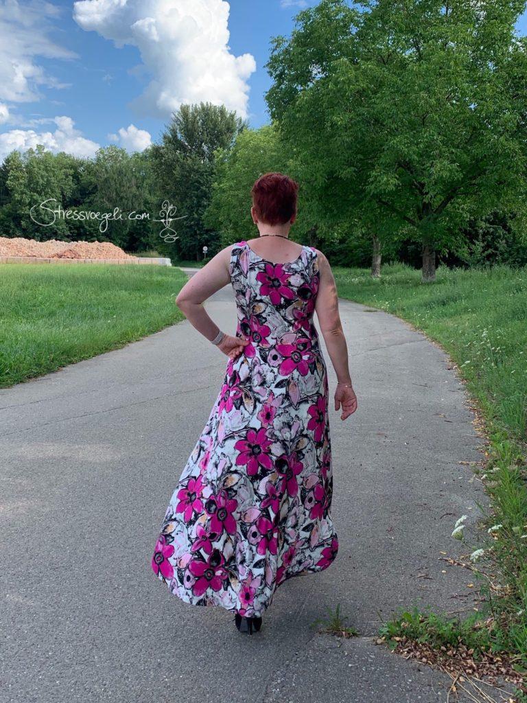 Rücken Tinalisa Kelly Sally Kleid stressvoegeli