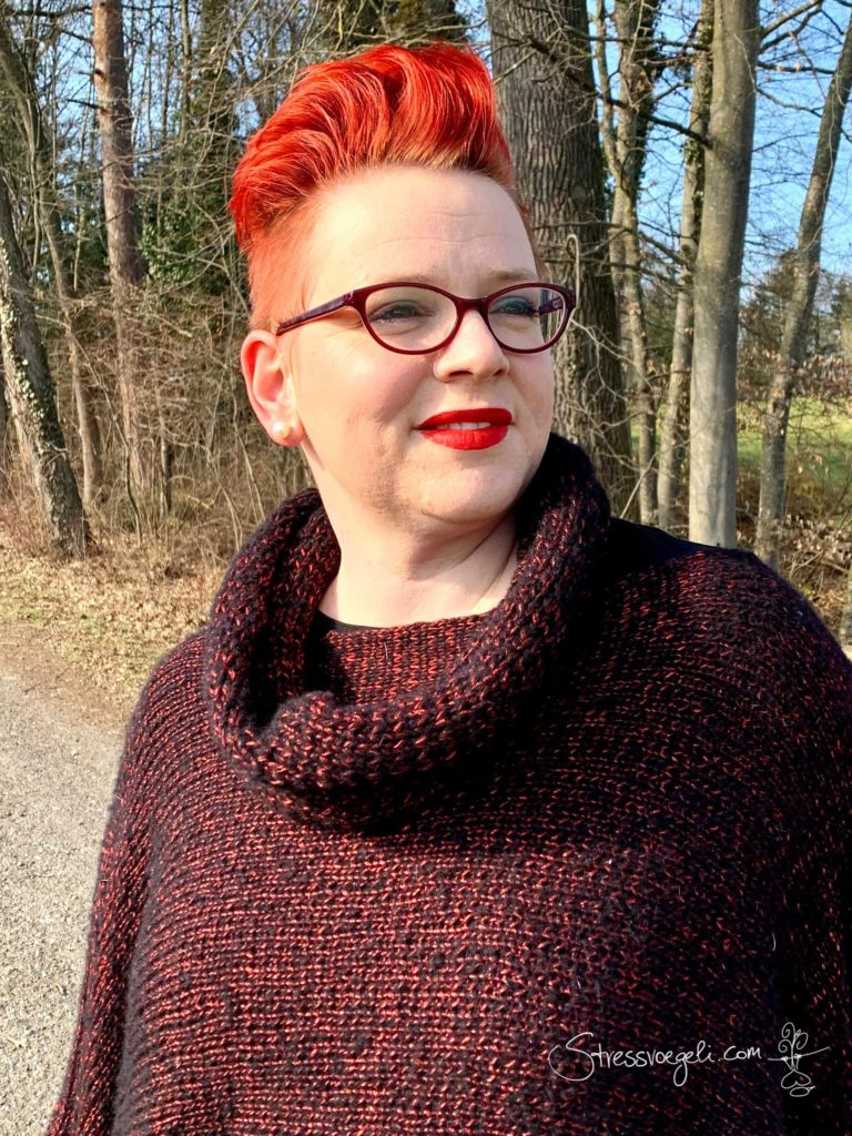 Loop zu selbst gestricktem Pullover